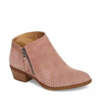 pink-lucky-brand-booties-e1523398214430.jpg
